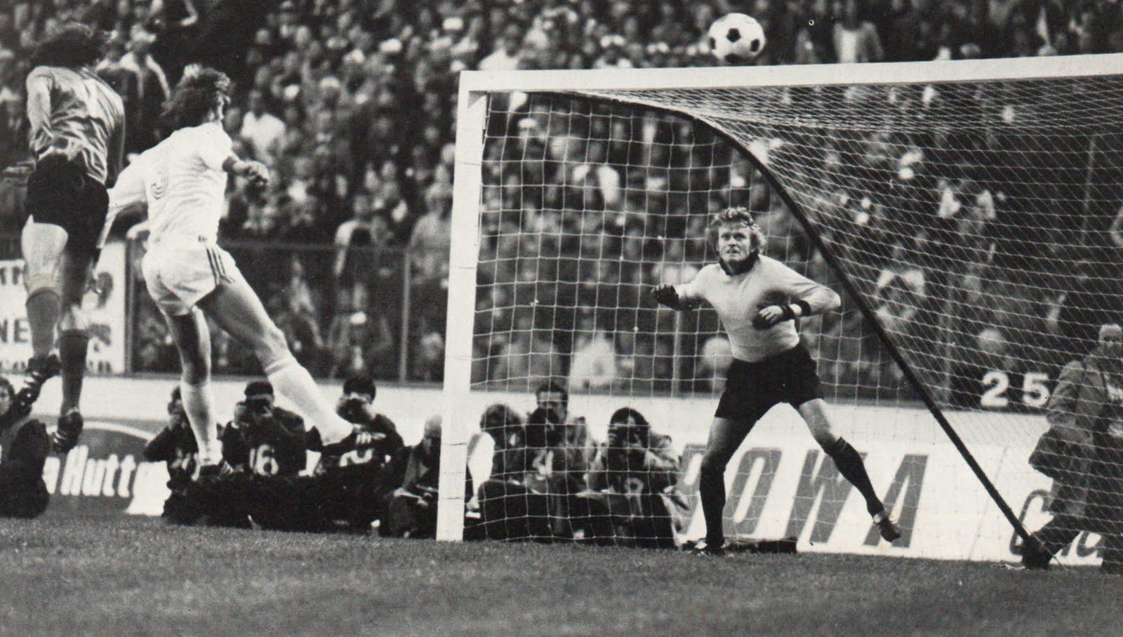 12 mai 1976 : Bayern Munich 1-0 ASSE - Finale de la Coupe d'Europe ...